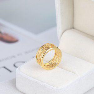 Tory Burch Hollow Logo Gold Glossy Wild Ring